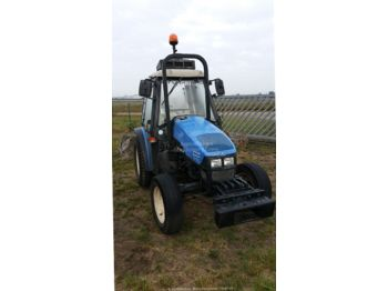 جرار صغير New Holland TCE 45